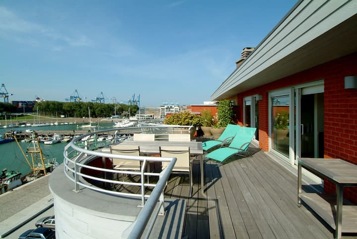Cosy penthouse at the marina of Zeebrugge
