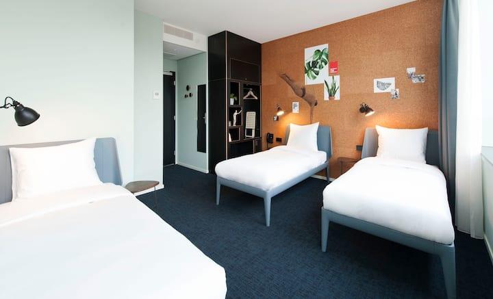Eco-friendly Triple Room by the Vondelpark