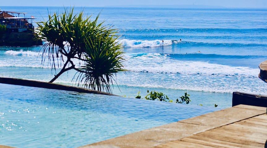 ULTIMATE SURF + SUNSET Beachfront Nusa Ceningan