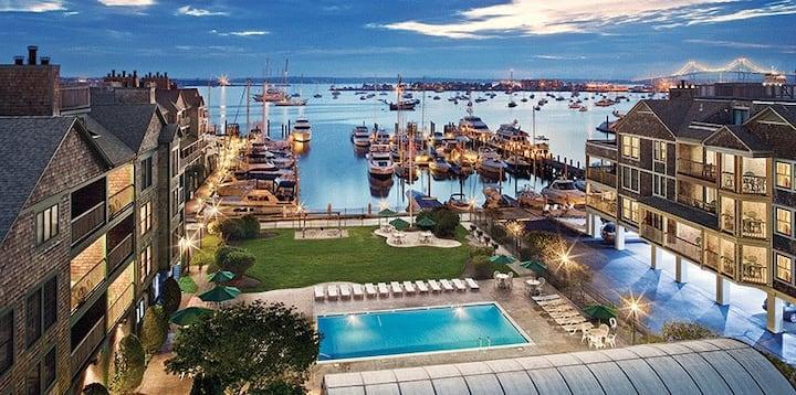 August Waterfront Resort, Newport Onshore Resort