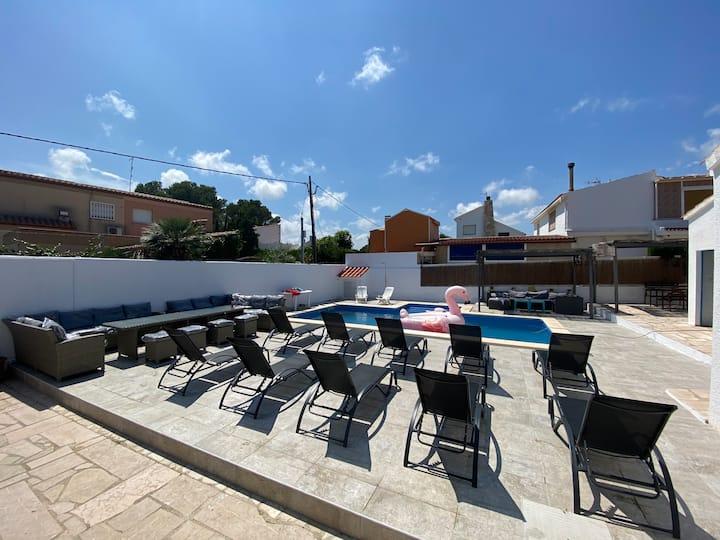 vacations for 14 in Ametlla de mar