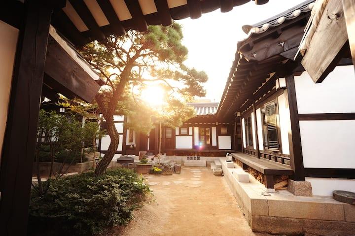 Rakkojae Seoul Bukchon Hanok Village Entire Hotel