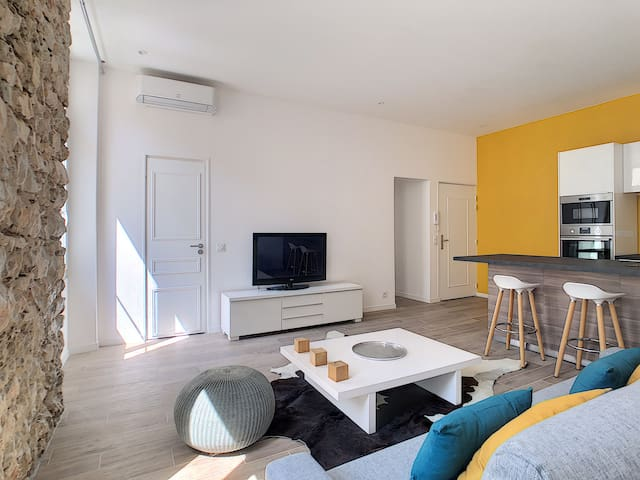 Brand new 2 bedrooms in the heart of Cannes
