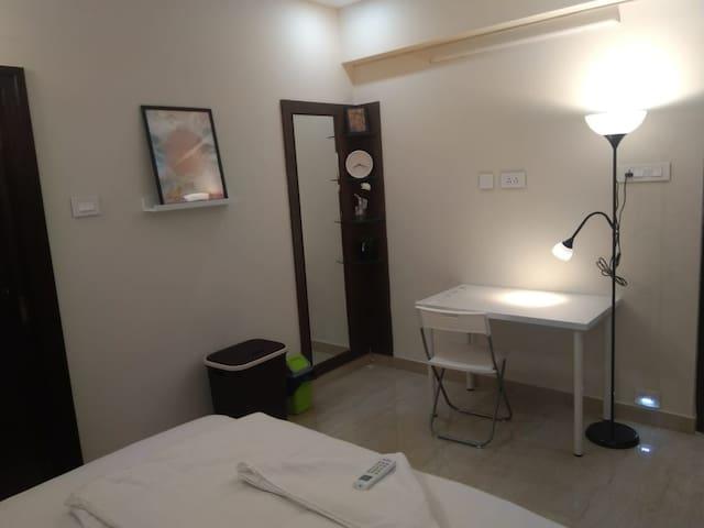 302 Room in 3BHK Currency Nagar