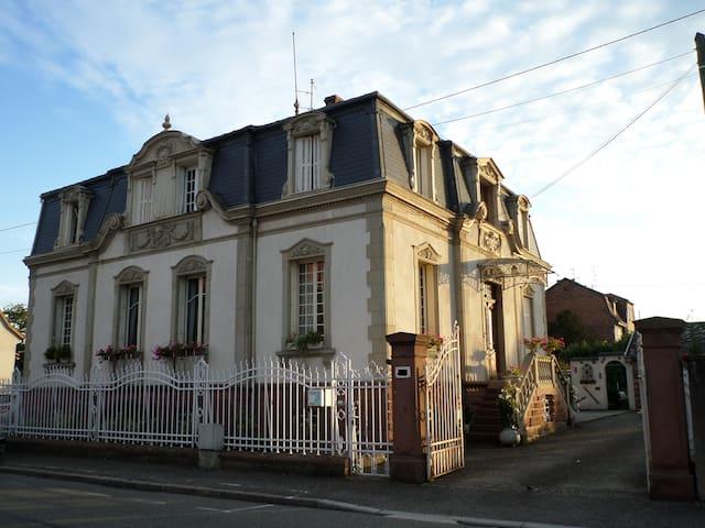 Chambre d 39 h tes chez l 39 habitant casas en alquiler en haguenau alsacia francia - Casas de alquiler en francia ...
