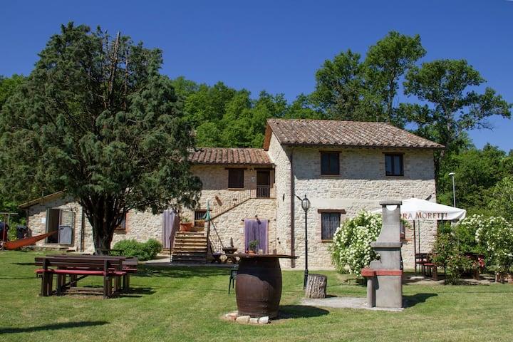 Modern Holiday Home in Pietrafitta Umbria with Garden