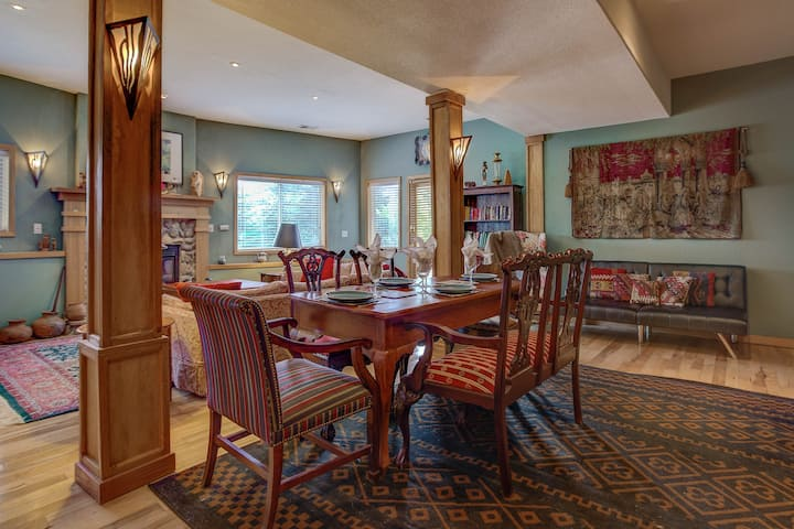 Charming Evergreen Hills Escape,  Great Mtn Views