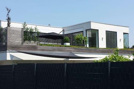 Penthouse - 35 minutes from Düsseldorf - Heinsberg - Huoneisto