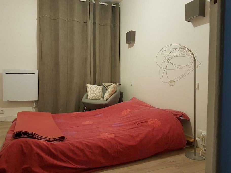 chambre centre grenoble nombreux transports appartements louer grenoble auvergne rh ne. Black Bedroom Furniture Sets. Home Design Ideas