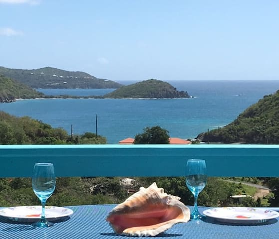 """""""Happy Our"""" - magnificent views & great  location"""