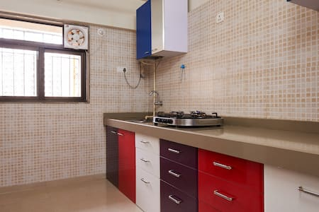 Homely luxurious RoomMumbai - Thane - Thane - Bed & Breakfast