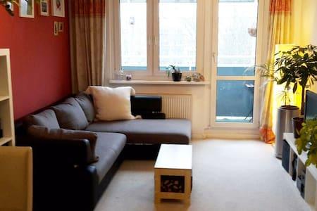 Familienfreundliche Wohnung (65m²) im Prenzl'Berg - Berlin - Apartament