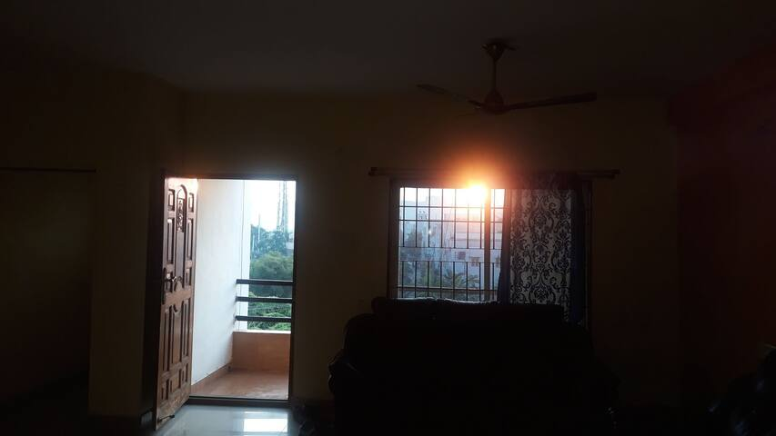Livingstone Entire Flat 3 Non AC Rooms