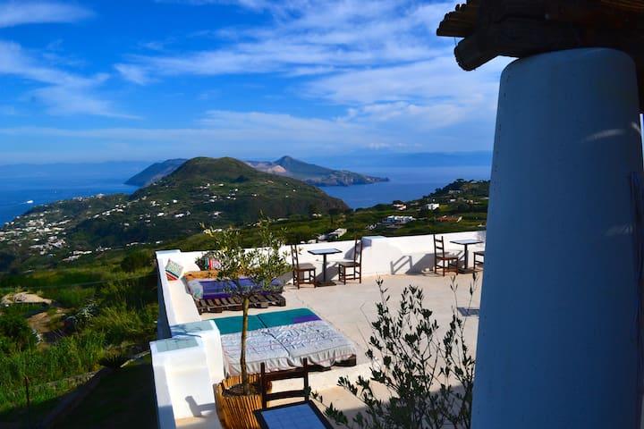Il Gelso - casa panoramica a Lipari - ลิปาริ - บ้าน