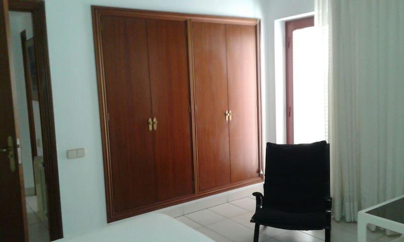Dormitorio/ Bedroom 1