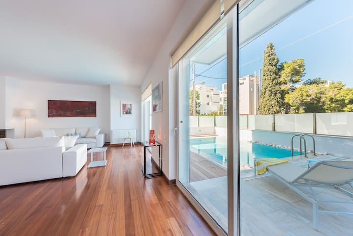 Adelos Luxury villa with pool in Elliniko Athens