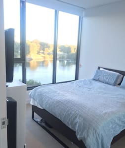 Waterfront Brand new 1 Bedroom Master Suite - Wolli Creek