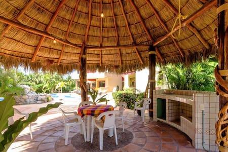 Cozy Paradise Bungalow - Bucerías - Guesthouse - 1