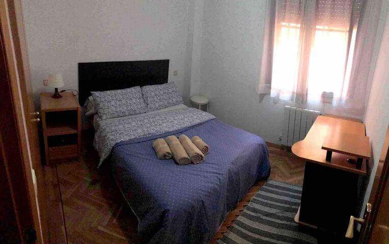 Habitación Cama Matrimonio. Toledo
