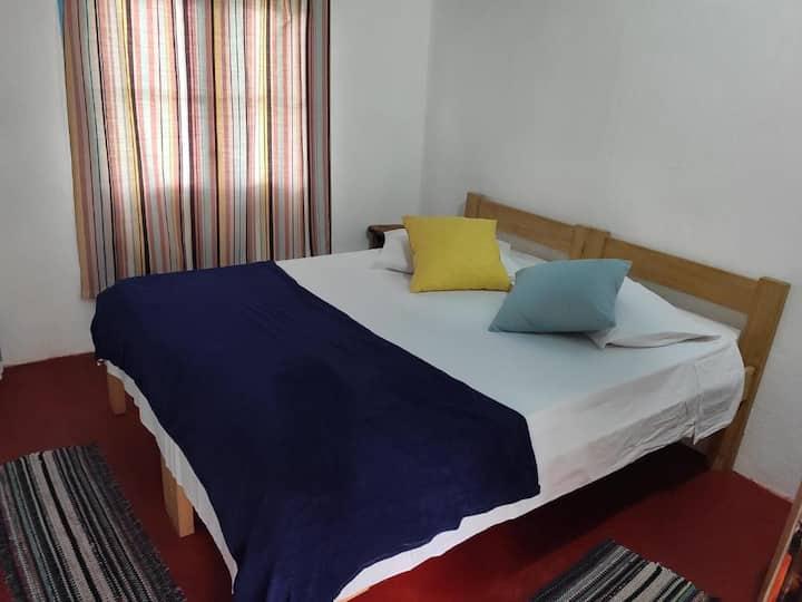 Cómoda habitación en acogedor hostal en Valizas