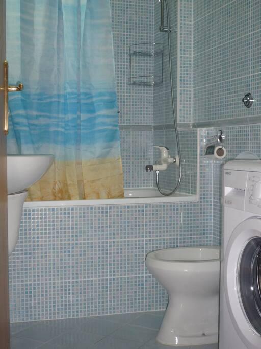 ванная,унитаз,раковина, душ