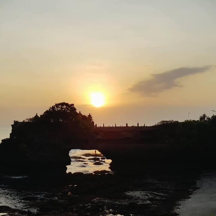 Tanah Lot Sunset Temple