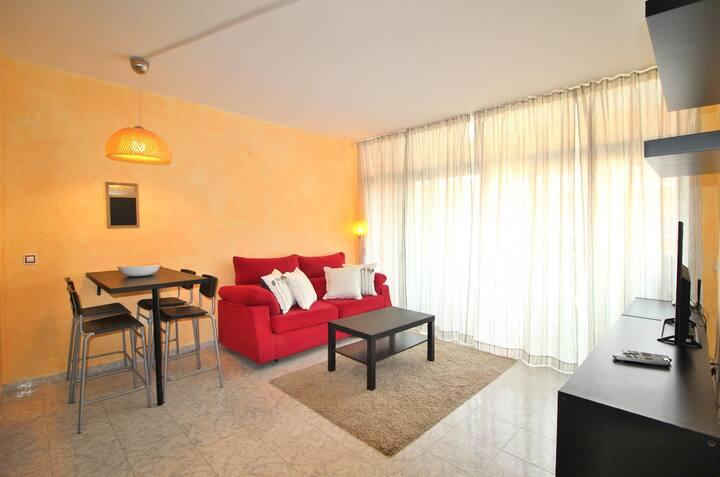 AL 11 Apartment 250 m from Fenals beach