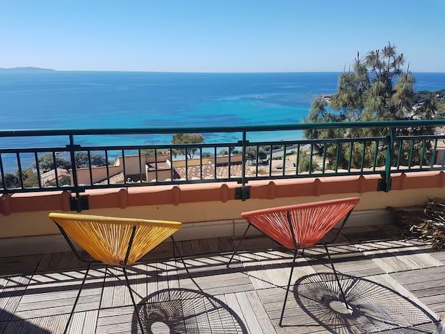 Ajaccio : Santa Lina, grande terrasse vue mer