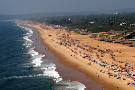 LOWEST PRICE-Calangute,Nr.Beach / AC Apt.+ Kitchen
