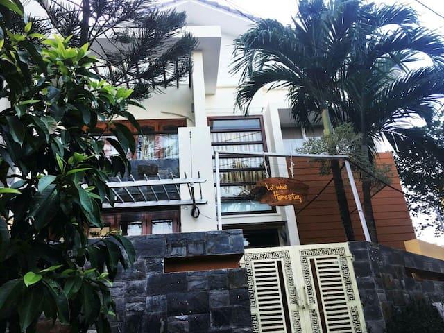 A nice house.39 yersin . Heybro