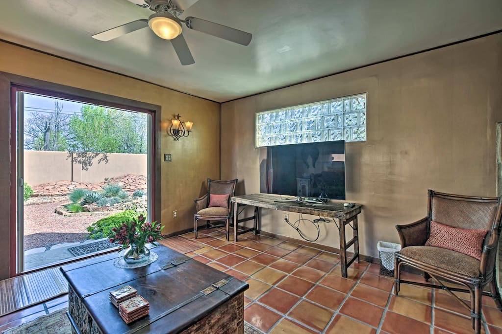 This vacation rental home comfortably accommodates 6 travelers.