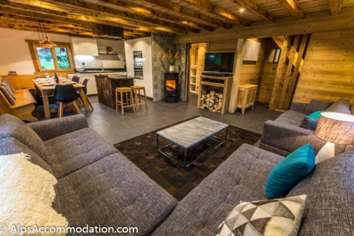 Luxury Chalet in Great Location, Hot Tub and Sauna