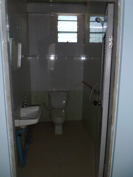 Guest room - Private bathroom