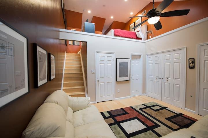 Cozy Modern Loft Suite - DC Metro / Belvoir / NGA