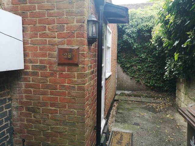 Key Workers - Cosy 1 Bed home Stevenage Old Town