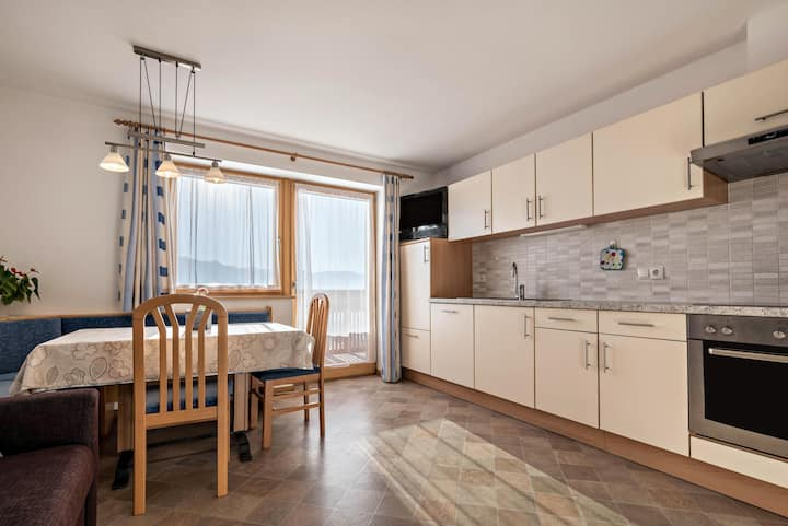 "Lovely Apartment ""Arnika - Schönblick"" with Mountain Views, Wi-Fi, Terrace & Garden; Parking Available, Pets Allowed"