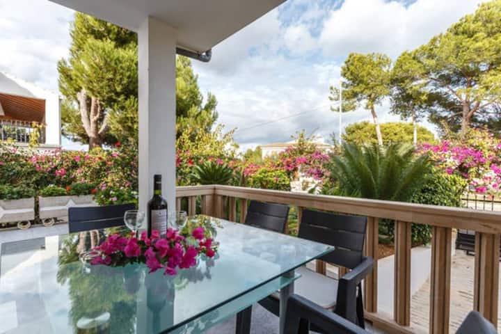 Preciosa villa en la playa  con jardin y BBQ