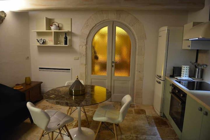 DIANA - Elegante cummersa in pietra con Sauna ad Alberobello
