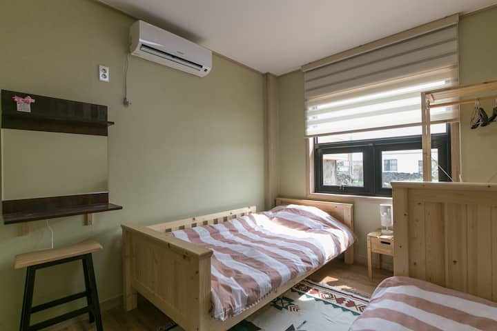 Babool Guesthouse Twin bed room