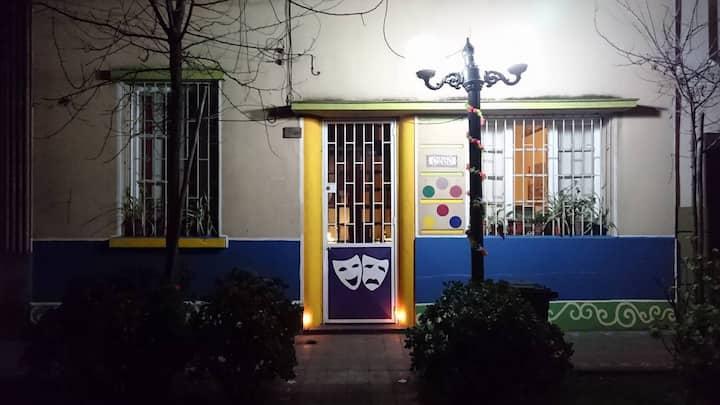 Habitacion Metro Santa Isabel, Providencia.
