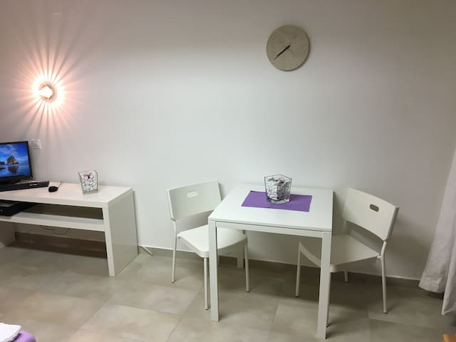 Nice bright studio including relaxing massage - Ljubljana - Apartamento