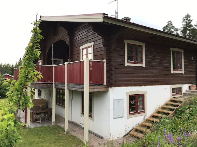 Lägenhet  i villa i vackra Sundborn!