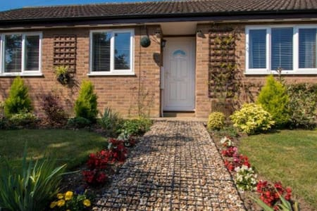 Number 5 holiday cottage and a home from home - Wortwell - บังกะโล