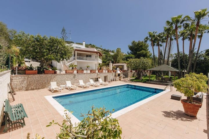 Amazing 6bedrooms villa close to Ibiza city center