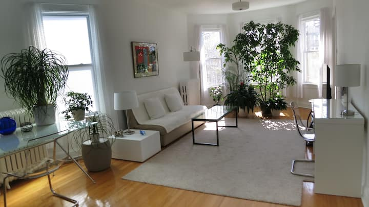 Private five room, 1000 sq ft. apartment