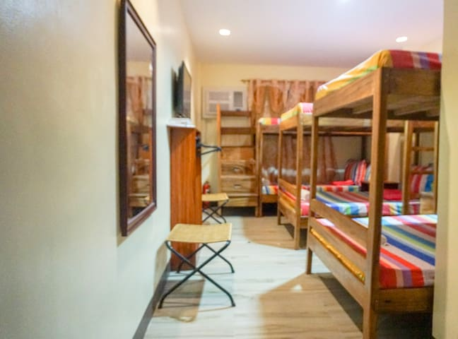 Big Bunk Bed in a shared Room, City Center 302-1