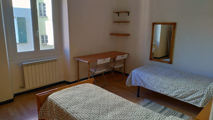 Double/Single Room in Genova