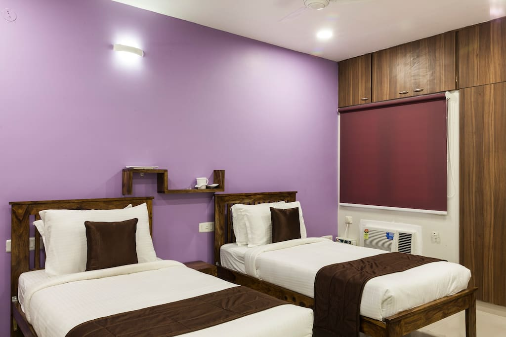 Yali Service Appartment Double Bed Bed Amp Breakfasts For Rent In Chennai Tamil Nadu India