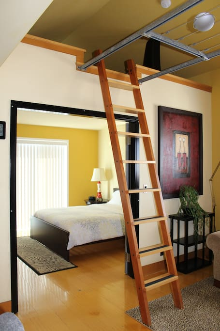 South bedroom and loft (ladder shown expanded)
