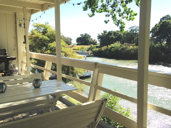 Delta Apartment on Steamboat Slough